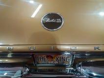 Tecken Elvis King för Buick electra 225 av Rock - och - rulle Fotografering för Bildbyråer