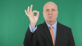 Tecken för affärsmanImage With gester för hand för jobb för reko finger bra royaltyfria bilder