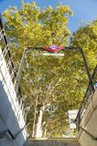 Tecken för Atoha tunnelbanastation på utgången i Madrid Royaltyfri Foto