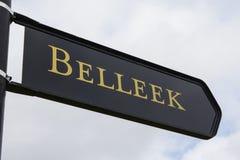 Tecken för Belleek i nordligt - Irland arkivfoto