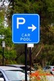 tecken för bilparkeringspöl Arkivbilder