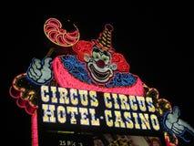 Tecken för cirkuscirkusneon Arkivfoto