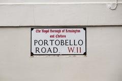 Tecken för den Portobello vägen i London Arkivfoto