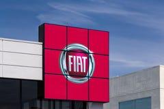 Tecken för Fiat bilåterförsäljare Royaltyfri Fotografi