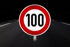 tecken för 100 gräns Royaltyfri Foto