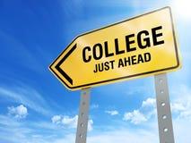 Tecken för högskola precis framåt stock illustrationer