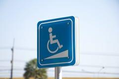 Tecken för handikappade personer arkivbilder