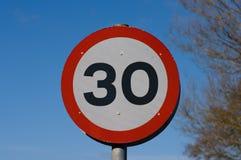tecken för hastighet 30mph fotografering för bildbyråer