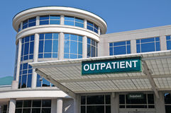 tecken för ingångssjukhuspoliklinikpatient Arkivbilder