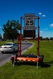 Tecken för kontroll för hastighet för polisradar Royaltyfri Foto