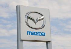 Tecken för Mazda bilåterförsäljare Royaltyfri Foto