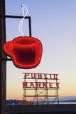 Tecken för offentlig marknad Arkivfoto
