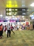 Tecken för port i flygplatsen Arkivbilder