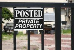 tecken för privat egenskap arkivfoto