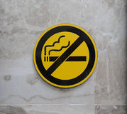 Tecken för rök för universitetslärare` t royaltyfria bilder