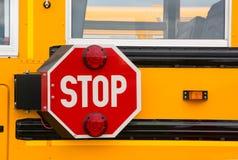Tecken för skolbussstopp Fotografering för Bildbyråer