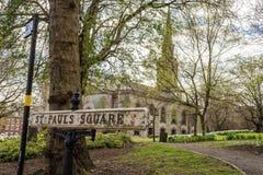 Tecken för St Pauls Square British Vintage Street Arkivbild