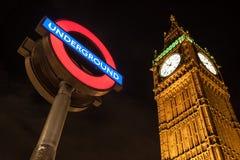 Tecken för stor Ben Clock och London underjordisk station Royaltyfri Bild