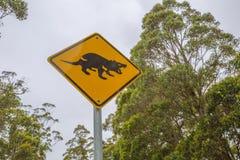 Tecken för Tasmanian jäkel korsning Arkivbilder