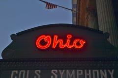 Tecken för teater för Ohio teaterstort festtält som annonserar Columbus Symphony Orchestra i i stadens centrum Columbus, OH Arkivbild