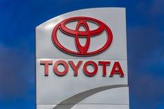 Tecken för Toyota bilåterförsäljare arkivbild