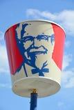 Tecken för trumma för KFC restaurang stort Arkivbild
