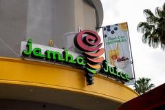 Tecken f?r Jamba fruktsaftlager royaltyfri fotografi
