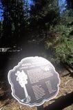 Tecken för general Sherman Tree, sequoianationalpark, Kalifornien Fotografering för Bildbyråer