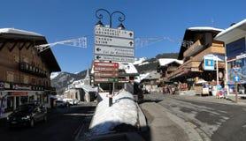 Tecken identifierar townsna av Hauten Savoie Arkivfoton
