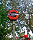 Tecken London för underjordisk station Fotografering för Bildbyråer