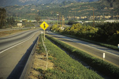 Tecken på en huvudväg Royaltyfri Bild