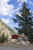 Tecken som F. KR. skriver in det Lillooet området av inre. Royaltyfri Foto