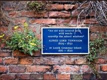 Tecken som firar minnet av Alfred Lord Tennyson Royaltyfri Foto