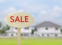 Teckenförsäljning på hem- bakgrund Arkivbilder