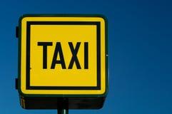 teckenstandtaxicab Fotografering för Bildbyråer