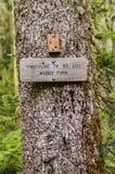 Teckenstolpe för slingan 600 Muddy Fork Royaltyfri Bild
