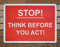 teckenstoppet tänker Royaltyfri Fotografi
