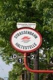 teckenstoppspårvagn Fotografering för Bildbyråer