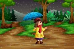 Tecknad film ett bärande paraply för flicka under regnet i skogen royaltyfri illustrationer