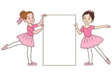 Tecknad filmballerinaflickor som rymmer den tomma teckenmallen Fotografering för Bildbyråer