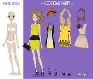 Tecknad filmflickadocka med kläder för ändringar vektor illustrationer