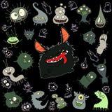 Tecknad filmillustrationuppsättning av bisarra varelser för rolig fluffig kawaii royaltyfri illustrationer