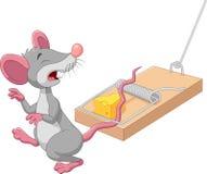 Tecknad filmmus i en råttfälla som isoleras på vit bakgrund royaltyfri illustrationer