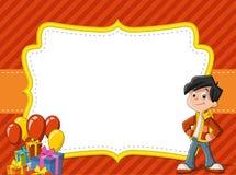 Tecknad filmpojke som har gyckel på födelsedagpartiet royaltyfri illustrationer