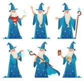 Tecknad filmtrollkarltecken Den gamla häxamannen i trollkarlar ämbetsdräkt, trollkarlwarlock och magisk medeltida trollkarl isole vektor illustrationer