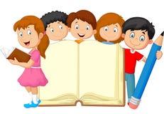 Tecknad filmungar med boken och blyertspennan stock illustrationer