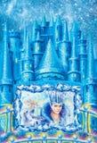 Tecknad filmvinterlandskap huset för sagasnödrottningen som är skriftlig vid Hans Christian Andersen illustration Royaltyfri Fotografi