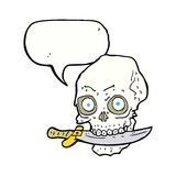 tecknade filmen piratkopierar skallen med kniven i tänder med anförandebubblan Royaltyfria Foton