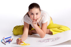 tecknar flickabarn fotografering för bildbyråer