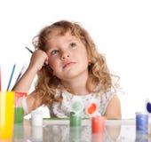 tecknar flickamålarfärg arkivbild